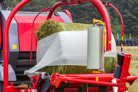 Baler wrapper working on the green field