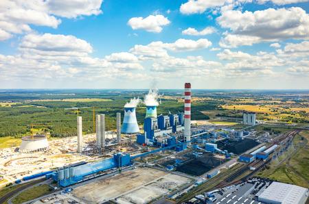 ポーランド オポーレの発電所の空中写真