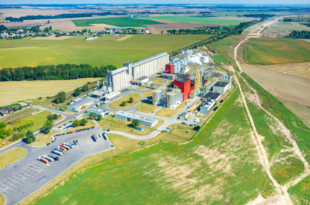 Aerial view on the modern biofuel factory Standard-Bild