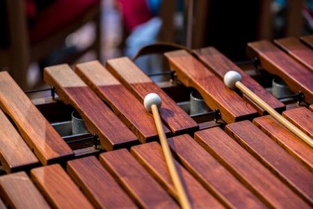 xilofono: Cerrar la vista sobre el viejo instrumento de madera xylofone