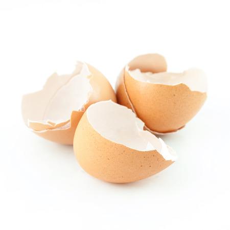 broken eggshell isolated on white background Imagens