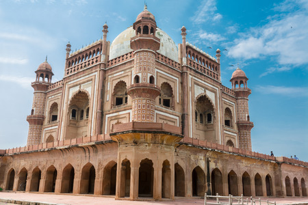 Side view of Safdar Jungs Tomb, Delhi, India. Safdarjungs Tomb is a sandstone and marble mausoleum. It was built in 1754 in the late Mughal Empire style for the statesman Safdarjung. Editorial