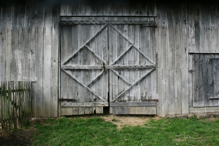 barn door: old barn door