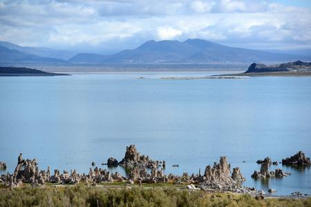 L'un des plus anciens lacs d'Amérique du Nord, vue du paysage du lac Mono Banque d'images - 85175868