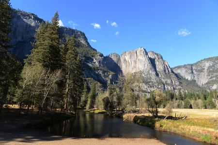 Vue de paysage de paysage du parc national de Yosemite Banque d'images - 85176547