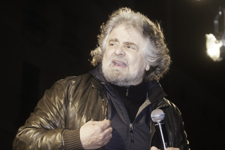 showman: Vicenza, Italy - March 11, 2010: Beppe Grillo, the famous Italian showman and blogger, leader of the 5 Stars Movement, talks to supporters. Editorial