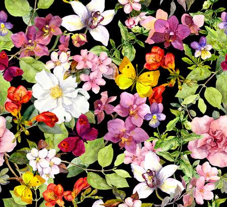 Zomer bloemen en vlinders op een zwarte achtergrond. Chic bloemenpatroon. Waterverf Stockfoto
