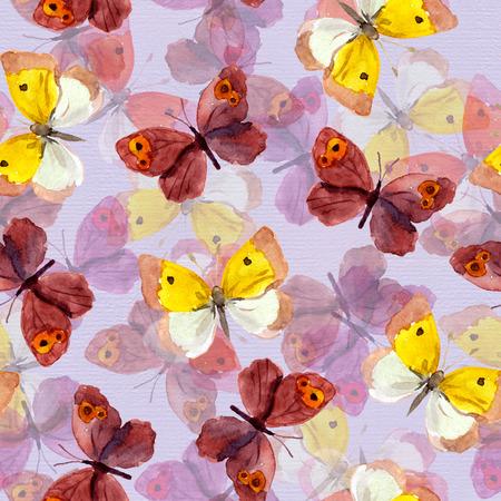 mariposas amarillas: fondo de mosaico sin fisuras con brillante acuarela pintada a mano mariposas bastante p�rpuras y amarillas Foto de archivo