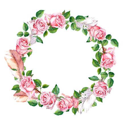 Repitiendo el estampado de flores de color rosa con flores y plumas rosa. Acuarela Foto de archivo