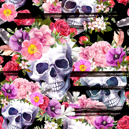 Human skulls, flowers for Dia de Muertos holiday. Repeating pattern on black background with ink stripes. Watercolor 免版税图像