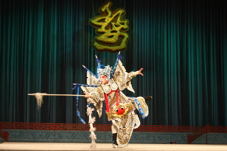 besiege: Wu Opera Jiepai off, commonly known as Jinhua Wu Opera theater, so far, more than 400 years of history, is the second largest opera, Zhejiang Province, the national intangible cultural heritage.