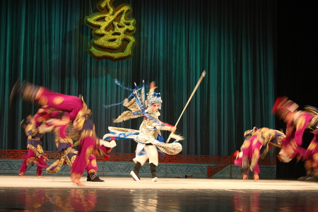 besiege: Wu Jinhua known opera drama, popular Jinhua area, because of the history of Jinhua Wuzhou named Su said, so far, more than 400 years of history, is the second largest opera Zhejiang Province, the national intangible cultural heritage.  Editorial