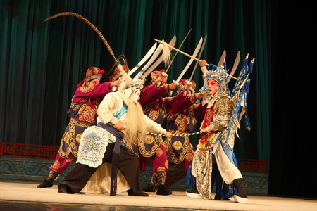 besiege: Wu Jinhua known opera drama, popular Jinhua area, because of the history of Jinhua Wuzhou named Su said, so far, more than 400 years of history, is the second largest opera Zhejiang Province, the national intangible cultural heritage.