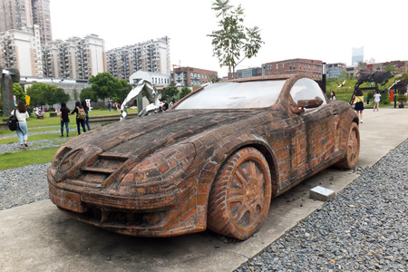 make public: Shanghai Sculpture Center, will have a very brilliant and now the old plant is no longer used to fight a city of art embodies the vitality and spirit of the times, and the continuation of the citys public art galleries and historical context. To make th
