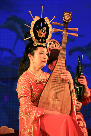song dynasty: Traditional performance on the stage