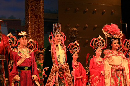 """Datang Xi'an, Shaanxi Province dance is an external card. The foreign guests as if they brought back fantastic Tang era. Tang Palace dance music by musical ensemble """"Long live music"""" dance """"Bai Zhu Dancing"""", """"big Nuo"""", &q Editorial"""