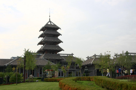 the local characteristics: Waterwheel Park is a hundred miles Lanzhou Huanghe style online local characteristics most attractions, but also along the Yellow River in Lanzhou City, the oldest ancient irrigation tools.  Editorial