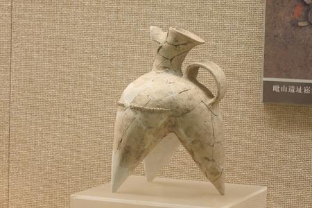 raider: Pottery (Liangzhu Culture), collections in Huzhou, Zhejiang Museum.