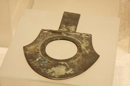 raider: Bronze ax (Zhou), an ancient Han weapons, symbols of power. Collection in Huzhou, Zhejiang Museum.
