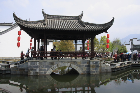 hometown: Great hometown - Riverside is located in the scenic Wuyuan, Jiangxi Province, the famous attractions that Xiao Jiangzong Riverside shrine temple, brick, wood carving, stone carving realistic shape, full of elegant architectural elegance. pictured of v