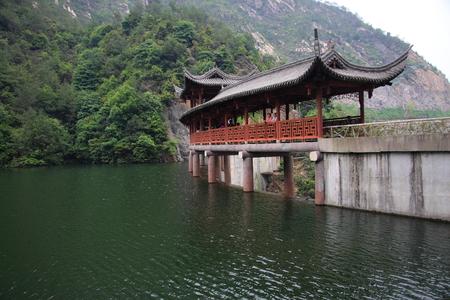 poems: Scenery of Qiongtai valley at Tiantai, Taizhou Editorial