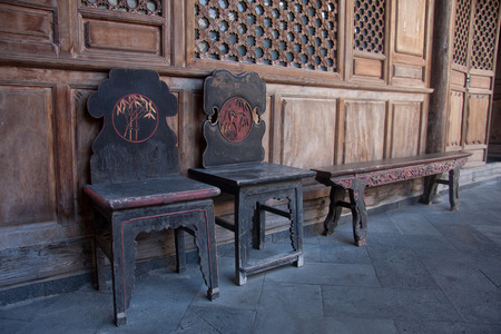 chinese courtyard: Chairs, stools, Heshun in Tengchong County, southwest of the town is located, ordered so far Cultivating rolls ancestors from Sichuan, Nanjing, Hubei and Hunan and other places, live and multiply for generations, dating back more than six centuries of his
