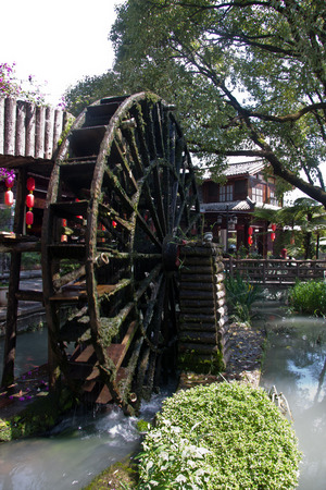 """and arcadia: Yuquan Park is located in Tengchong County, West Yin Tong is one of the """"second scene"""" ancient vault. Akin Tao Yuanming's """"Xanadu."""" Park among hundreds of ancient-style building houses into the street into the city, courtyard group Editorial"""