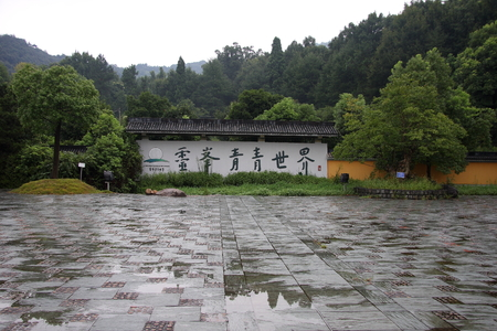 mori:  Lingfeng Temple surrounded by mountains, towering trees Temple, Temple side babbling brooks, repair bamboo grove, Mori absolutely quiet different, is a great tourist destination. Editorial