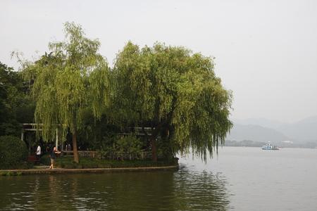 lakefront: West Lake in Hangzhou morning