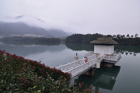 upstream: Tonglu is located in Hangzhou City, upstream, has always been known for landscapes, throughout the beautiful Fuchun river flow, water Jiang Guan, was River commentary a bright Pearl on the Golden tourist line, in 1982 the national scenic area. For fruit