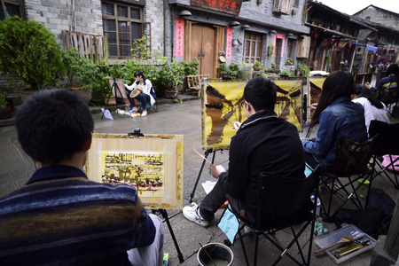 guyan: art students are drawing the structure of the ancient village Editorial