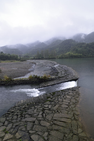 guyan: Tongji Weir