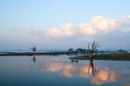 boatman: Thaungthaman Lake in Amarapura, Mandalay Division, Myanmar Stock Photo