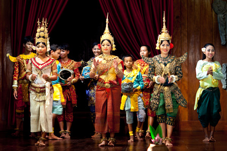 mahabharata: SIEM REAP, CAMBODIA - JANUARY 4, 2013: Khmer classical dancers performing in traditional costume on the evening show