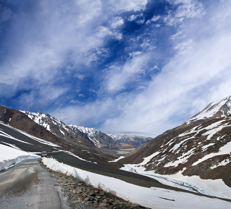 Manali - Leh national highway in Jammu and Kashmir State, North India Stock Photo