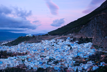 Panorama of Chefchaouen Blue Medina at sunset in Morocco, Africa 免版税图像